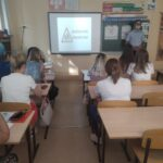 В ГБОУ лицей г.Сызрани на родительских собраниях в рамках акции «Внимание дети!» выступил старший инспектор по пропаганде БДД
